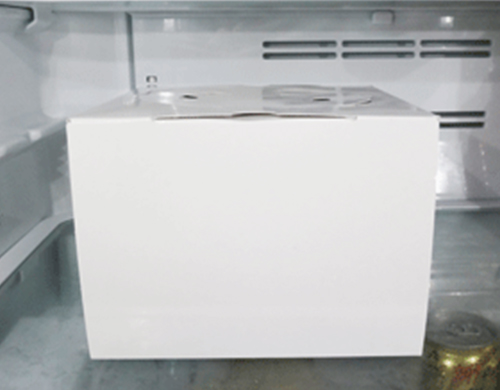 ケーキを冷蔵庫で6時間解凍しました